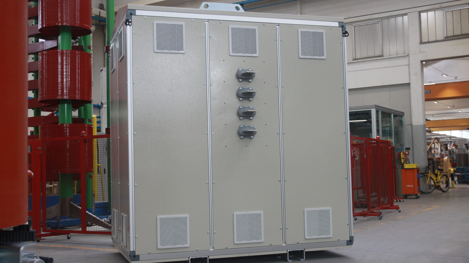 IP54 ventilated box for outdoor installation